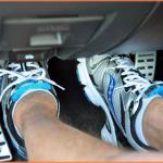 Sai Lầm Lái Xe Số Tự Động Bằng Hai Chân